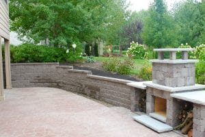 Des Moines Iowa Retaining Wall & Fireplace